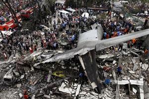 Крушение лайнера в Индонезии: более 100 погибших