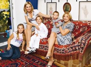 Мария Максакова дочь Людмилы Максаковой примет участие в праймериз в Петербурге
