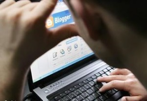 Ложкин по указу Порошенко массово увольняет блоггеров Банковой из-за оффшорного скандала