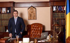 Великолепная семерка или немного о новых-старых депутатах: аферист-строитель Максим Микитась и сепаратист Сергей Шахов