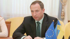 Сельский рейтинг Порошенко под ударом из-за рейдерских схем главы АП Игоря Райнина